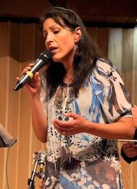 Jazz vocalist Rosana Eckert